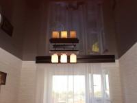 Натяжной потолок глянцевый черно-коричневый, фото 50