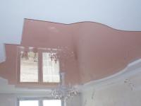 Натяжной потолок глянцевый розовый антик в составе гипсокартонной конструкции, фото 56