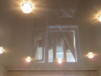 Натяжной потолок глянцевый серо-бежевый, фото 35