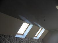 Натяжной потолок глянцевый серого оттенка, фото 21